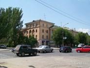Проспект Ленина в старой части Волжского