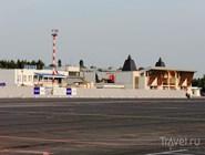 """Международный аэропорт """"Стригино"""". Вид с летного поля"""