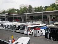 Стоянка автобусов дальнего следования перед центральным автовокзалом