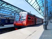 Поезд на платформе Ярославского вокзала