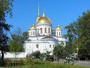 Собор Александра Нвского в Ново-Тихвинском монастыре