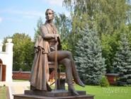 Памятник Д. В. Веневитинову в усадьбе