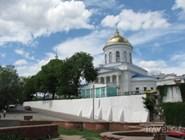 Покровский собор со стороны площади Детей