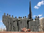 Монумент советским солдатам