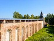 Стены Борисоглебского монастыря