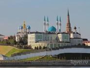 Здание правительства Татарстана и мечеть