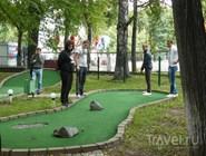 Мини-гольф в парке