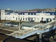 Здание железнодорожного вокзала в Новороссийске