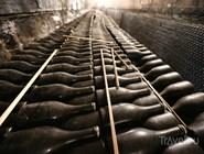 Бутылки с вином в Абрау-Дюрсо