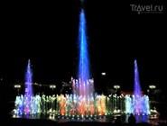 Поющий фонтан Туапсе вечером