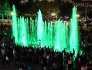 Струи фонтана могут быть окрашены в любые цвета спектра