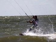 Кайтинг - популярное развлечение на Обском море