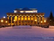 Самый большой в России театр