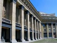 Колоннада театра оперы и балета