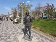 Памятник Сухову