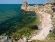 Дикий пустынный пляж на Азовском море