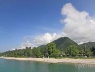 Вид на пляж и Иверскую гору