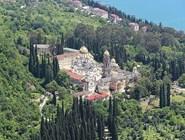 Вид с Иверской горы на Новоафонский монастырь