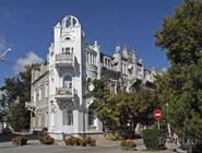 Здание на Театральной площади