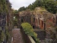 Руины императорского дворца