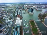 Вид с телебашни на Рейн и Медиагавань