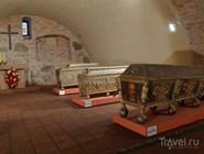 В усыпальнице бояр Романовых