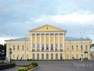 Историческое здание теперь занимает суд Костромы