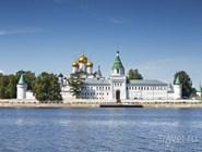 Вид на Ипатьевский монастырь
