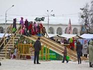 Ледяная горка в центре Костромы