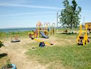 Детская площадка рядом с пляжем