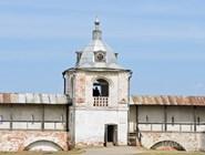 Горицкий монастырь. Стены и часовня