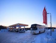 Автобус-экспресс на заправочной станции
