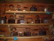 Экспозиция музея утюга