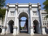Мраморная арка - триумфальная арка, стоящая возле Ораторского уголка в Гайд-парке