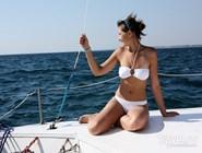 Туристы могут арендовать в Анапе яхту или заказать экскурсию