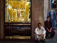 Продавцы золотых украшений