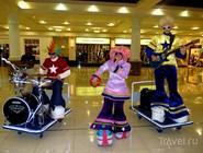 Музыкальный коллектив в  Deira City Center во время Dubai Shopping Festival