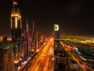 Ночное движение по Шейх-Зайед-роуд