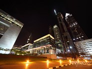 Financial Centre Road ночью