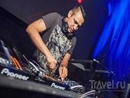 Диджей Sean Finn в  Cavalli Club Dubai