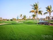 На территории гольф-клуба