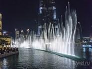 Вечернее шоу фонтанов у Burj Khalifa