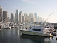 Яхты у причала Dubai Marina Yacht club