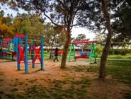 Детская площадка в парке Ореховая роща