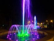 Посмотреть на шоу фонтанов приходит много туристов