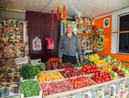 Дешевле покупать на рынке, но и в обычных палатках в курортных зонах можно встретить дружелюбных торговцев, не задирающих цены
