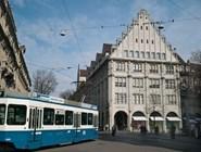 Улица Bahnhofstrasse