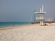 Городской пляж в Абу-Даби