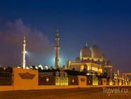 Осенняя ночь над Мечетью шейха Зайда