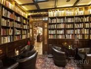 Библиотечная комната в Elite Plaza Hotel